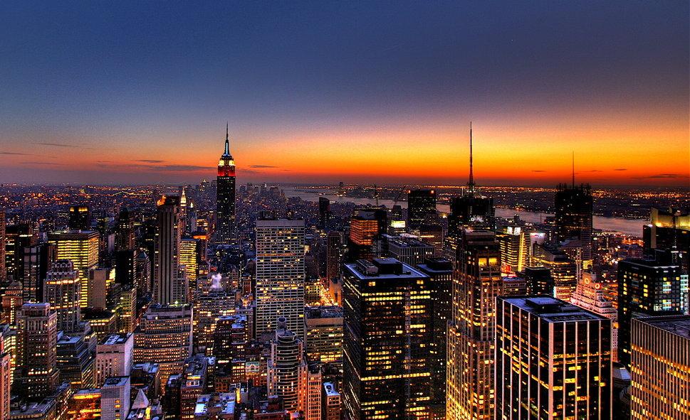967575__new-york-skyline-at-sunset_p